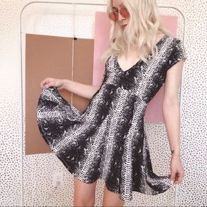 NWT stylestalker unrequited snakeskin dress